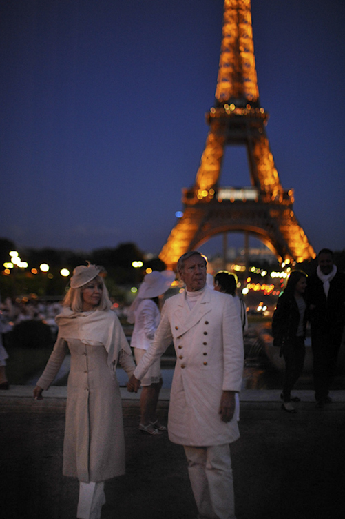 Secret White Party in Paris under the Eiffel Tour  (60)