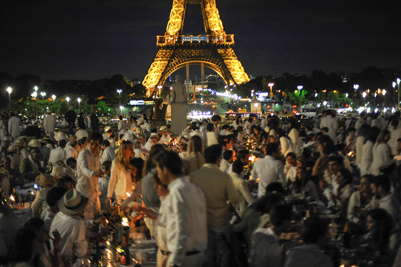 Secret White Party in Paris under the Eiffel Tour  (37)